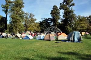 tents on the UC Davis quad. Credit Jonathan Eisen, cc-by.